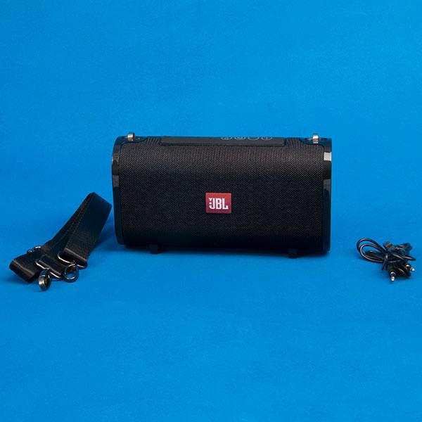 JBL Charge 6 Portable Bluetooth Speaker (4).jpg