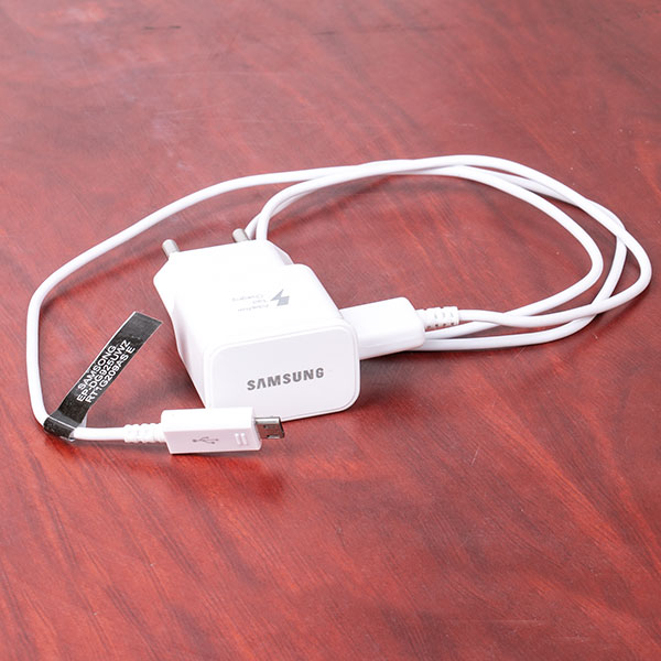 Travel Adapter With Micro USB Cable (4).jpg